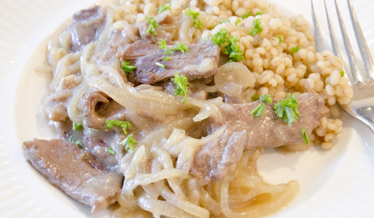 Linda in the Kitchen – Beer Braised Beef on a Bed of Barley